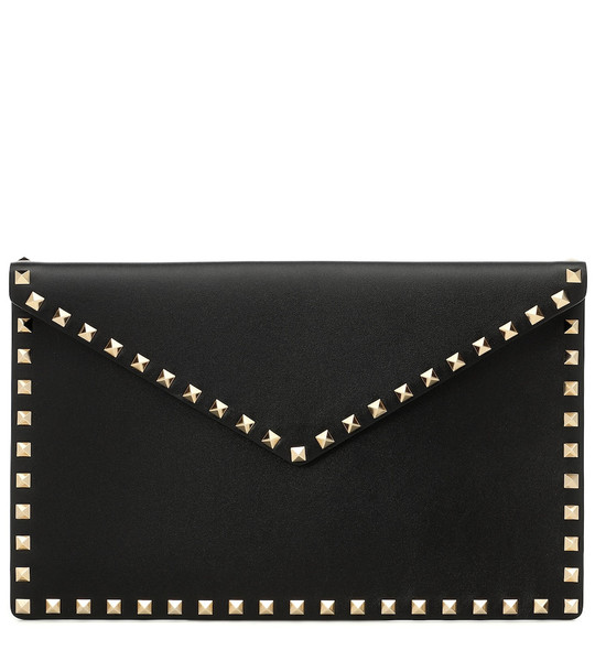 Valentino Garavani Rockstud large leather clutch in black