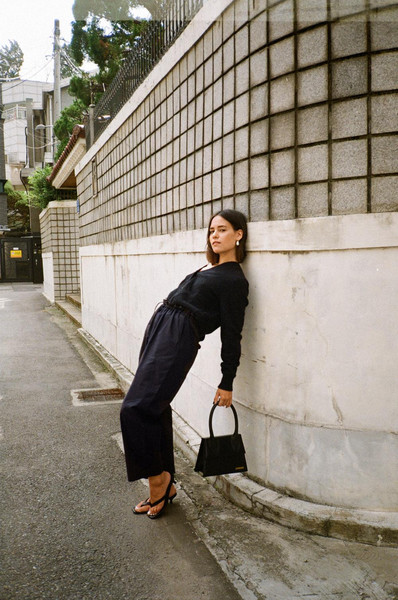 teetharejade blogger cardigan pants bag jewels