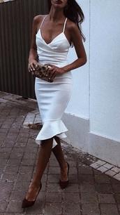 dress,white dress,frill hem,bodycon dress