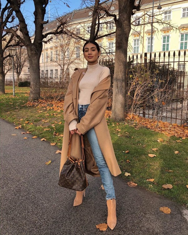 coat beige coat ankle boots high waisted jeans skinny jeans louis vuitton bag turtleneck sweater