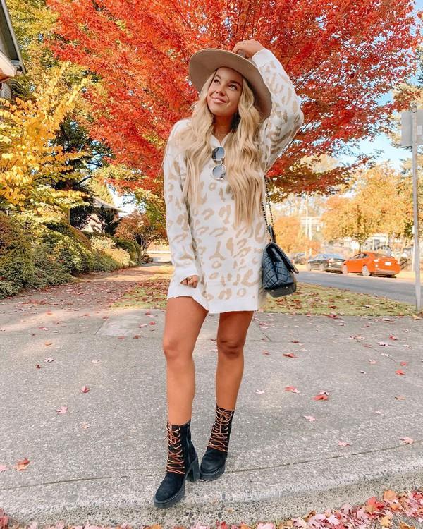 sweater sweater dress leopard print black boots black bag hat