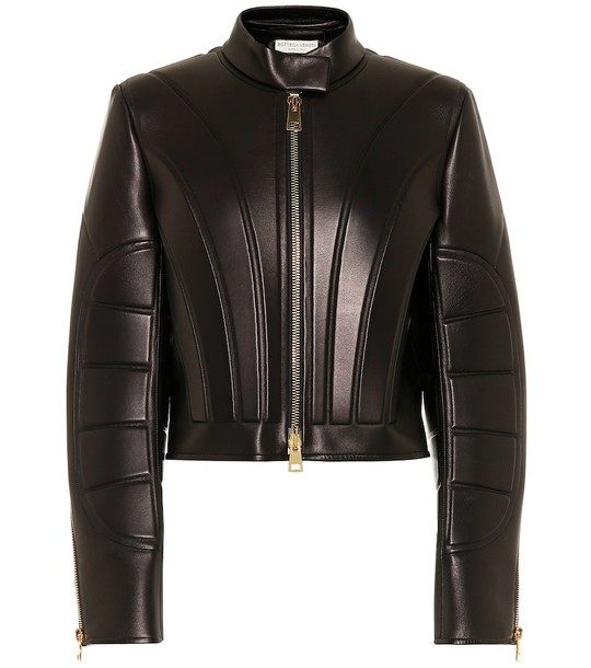 Bottega Veneta Cropped leather jacket in black