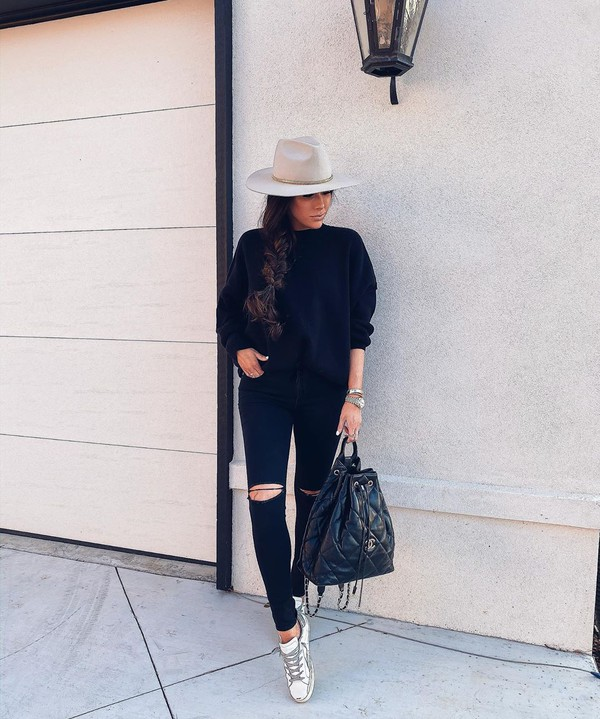 jeans black skinny jeans white sneakers chanel bag black sweater hat