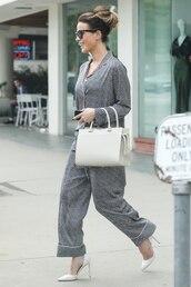 top,pajamas,pajama pants,satin pajama set,kate beckinsale,spring outfits,pumps,shirt