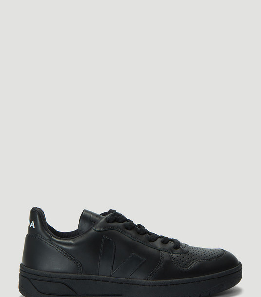Veja Sneakers Women - V-10 Leather Sneakers Black 100% Leather. Sole: 100% Rubber. EU - 39