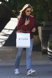 sweater,alessandra ambrosio,model off-duty,streetstyle,spring outfits,celebrity,casual