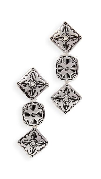 Shashi Silverado Earrings in silver