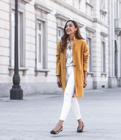 coat,yellow coat,ballet flats,white jeans,skinny jeans,ripped jeans,white shirt,brown bag