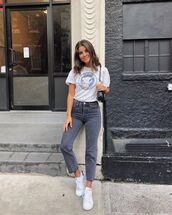 top,white shirt,high waisted jeans,black jeans,white sneakers