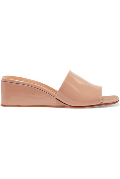 LOQ - Sol Patent-leather Wedge Sandals - Beige