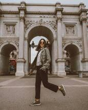 pants,black pants,sneakers,jacket,white shirt,casual,streetstyle