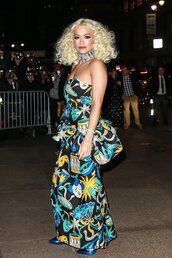 shoes,dress,rita ora,celebrity,celebrity style,pumps,strapless dress