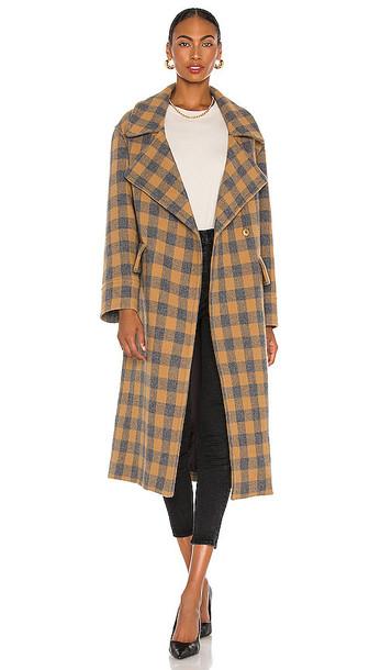 Smythe Blanket Coat in Tan in camel / grey