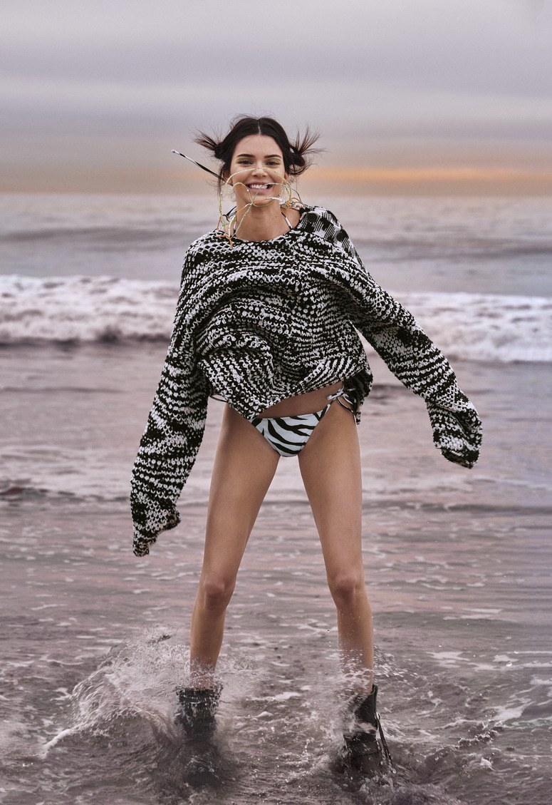 sweater black and white kendall jenner kardashians model bikini bottoms