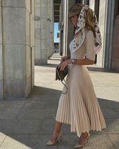 dress,pleated dress,midi dress,pumps,bag,scarf