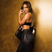 pants,jennifer lopez,celebrity,editorial,sportswear,sports bra