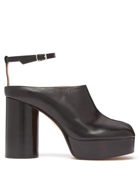 Maison Margiela - Tabi Leather Platform Mules - Womens - Black