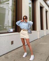 sweater,sweatshirt,mini skirt,white sneakers,bag