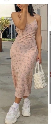 dress,pearl bag,slit dress,pink,maxi dress,patterned dress,white sneakers