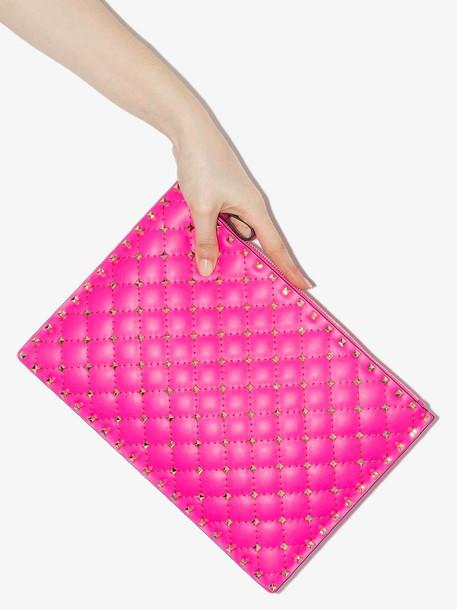 Valentino VAL ROCKSTUD LRG FLURO POUCH in pink
