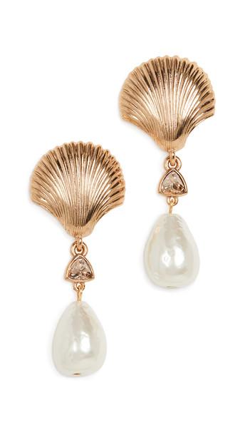 Oscar de la Renta Scallop Shell & Imitation Pearl Earrings in gold