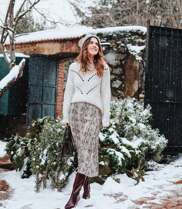 skirt midi skirt snake print knee high boots handbag white sweater beanie