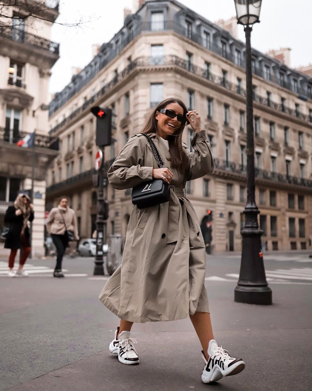 shoes sneakers trench coat black bag