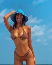 top,hat