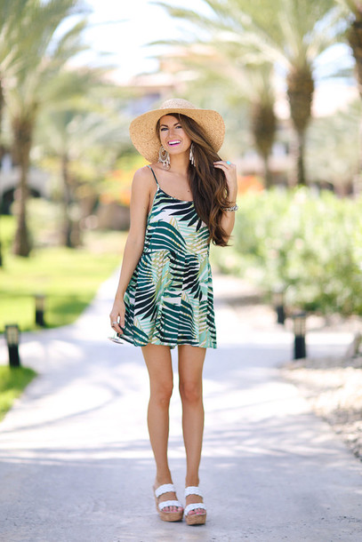 southern curls and pearls blogger romper hat sunglasses jewels shoes make-up
