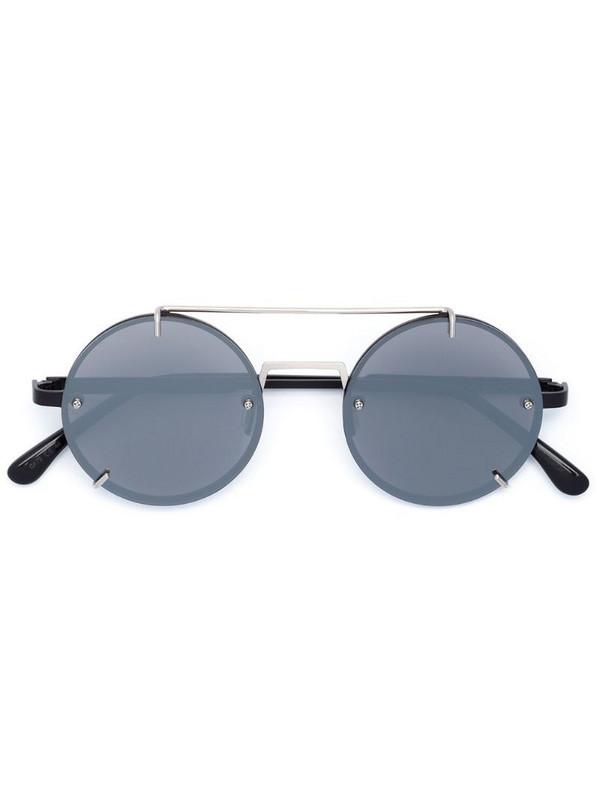 Vera Wang round frame sunglasses in black