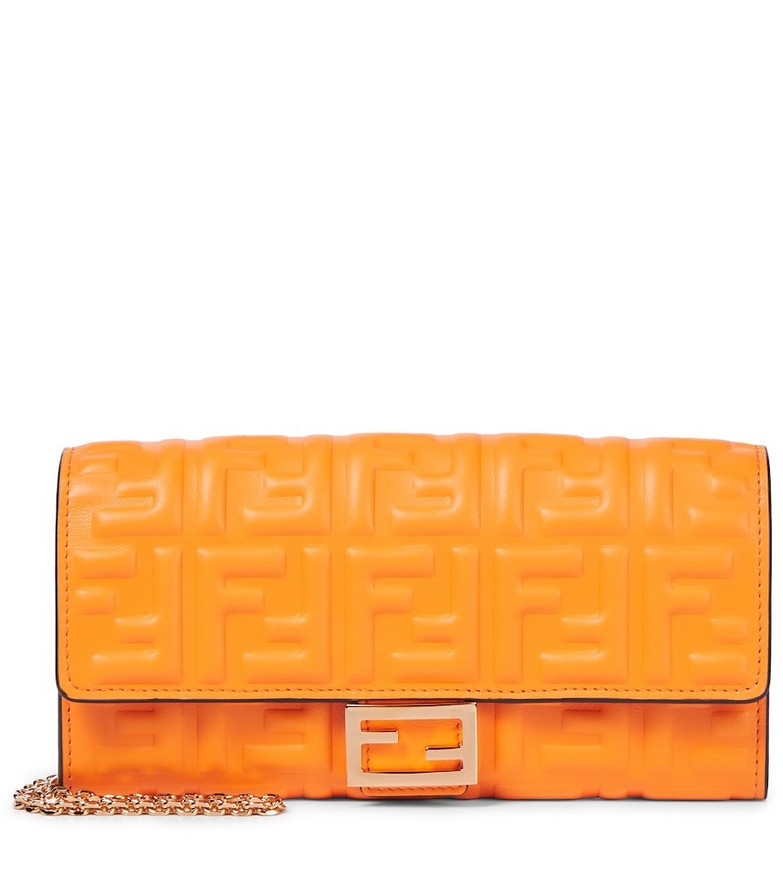 Fendi Baguette leather shoulder bag in orange