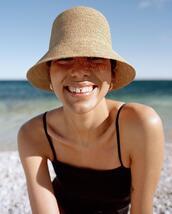 hat,swimwear,jewels