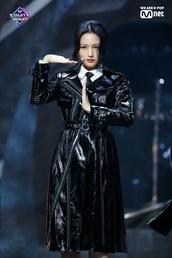 coat,dreamcatcher,trench coat,black,black dress,patent leather,belt,zipper jacket