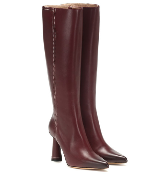 Jacquemus Les Bottes Leon Hautes leather boots in red
