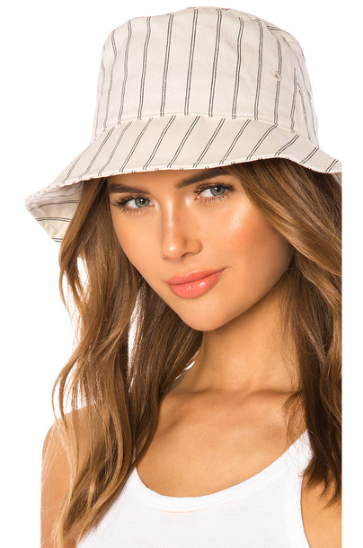 Rag & Bone Ellis Bucket Hat in ivory