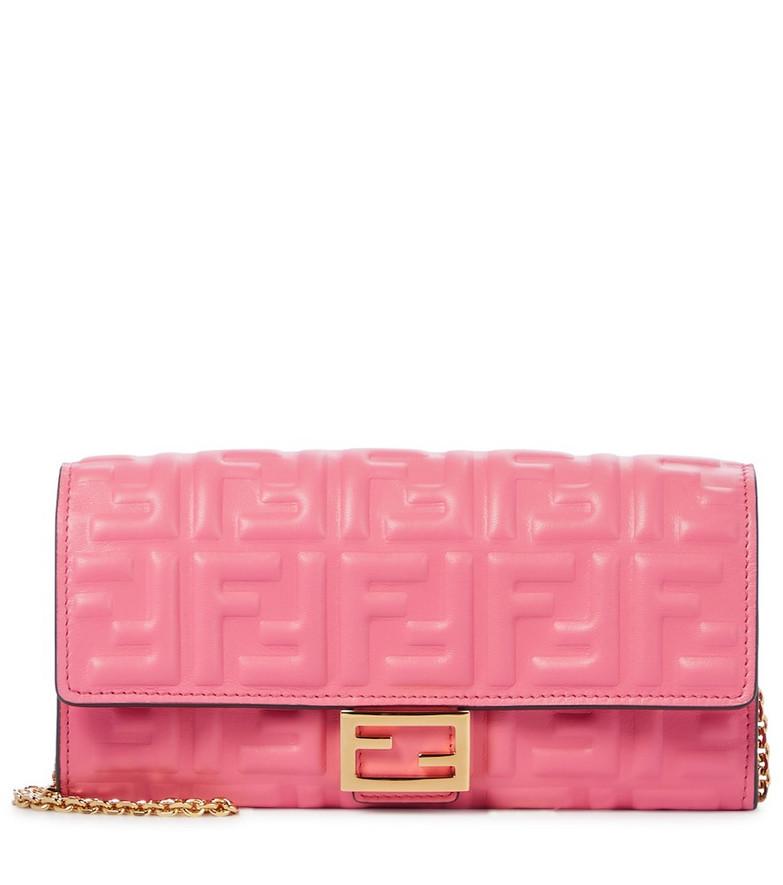 Fendi Baguette leather shoulder bag in pink