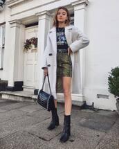 skirt,mini skirt,denim skirt,black boots,ankle boots,black bag,white coat,double breasted,black belt,black shirt