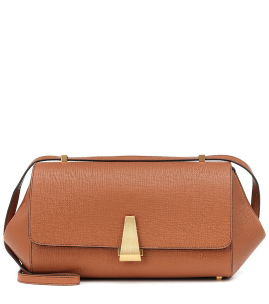 Bottega Veneta BV Angle leather shoulder bag in brown