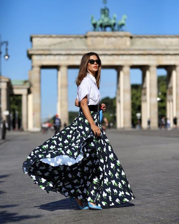skirt pleated skirt maxi skirt pumps white shirt short sleeve