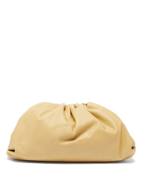Bottega Veneta - The Pouch Large Leather Clutch - Womens - Beige