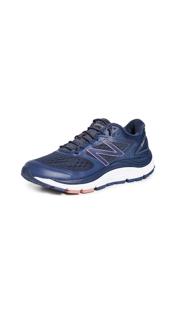 New Balance 840v4 Road Running Sneakers in indigo / natural / white