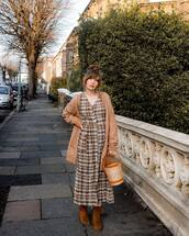 sweater,oversized cardigan,plaid dress,maxi dress,shirt dress,bucket bag,handbag,v neck dress