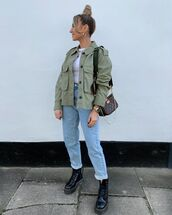jacket,army green jacket,high waisted jeans,black boots,mom jeans,shoulder bag,white t-shirt