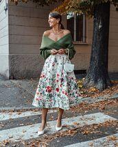 skirt,floral skirt,white skirt,slingbacks,sweater,white bag