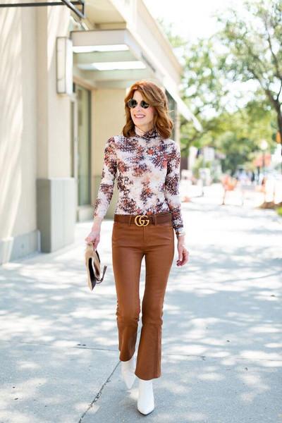 themiddlepage blogger top pants shoes bag belt