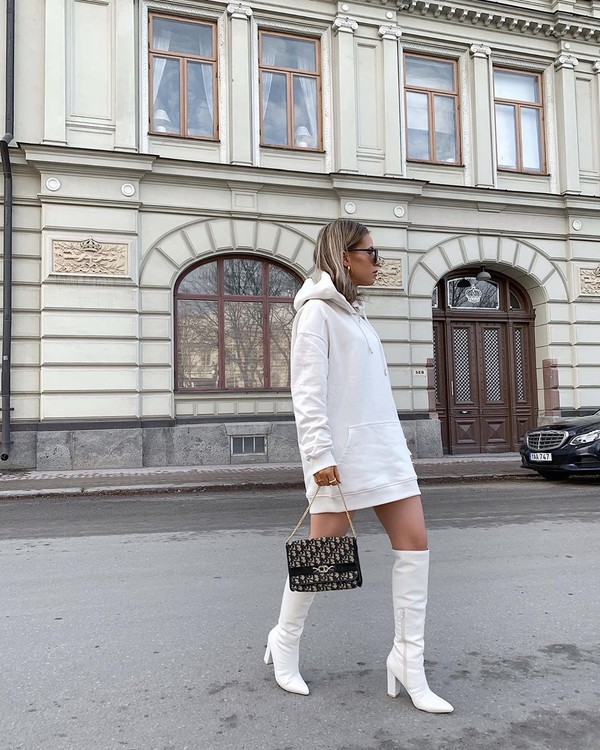 sweater white hoodie oversized white boots bag
