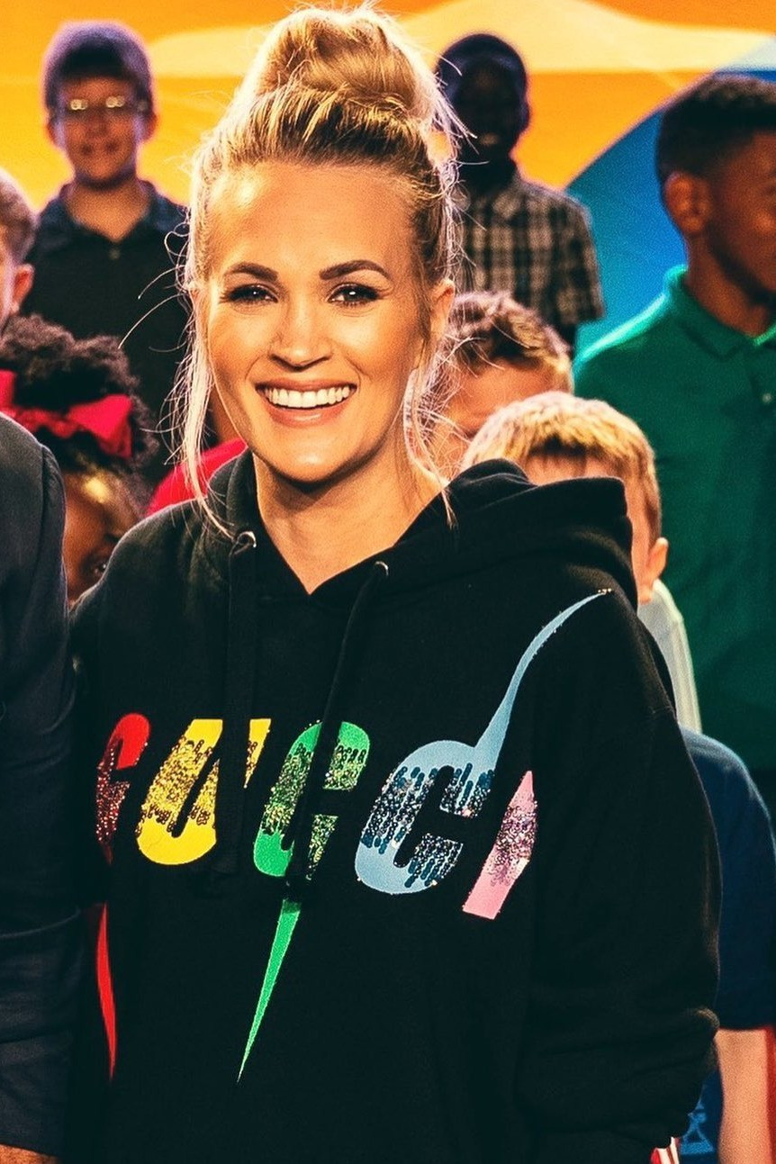 sweater hoodie gucci celebrity carrie underwood
