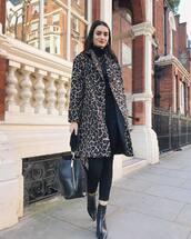 coat,oversized coat,bag,black bag,shoulder bag,ankle boots,black boots,leopard print,black pants,skinny pants,black turtleneck top