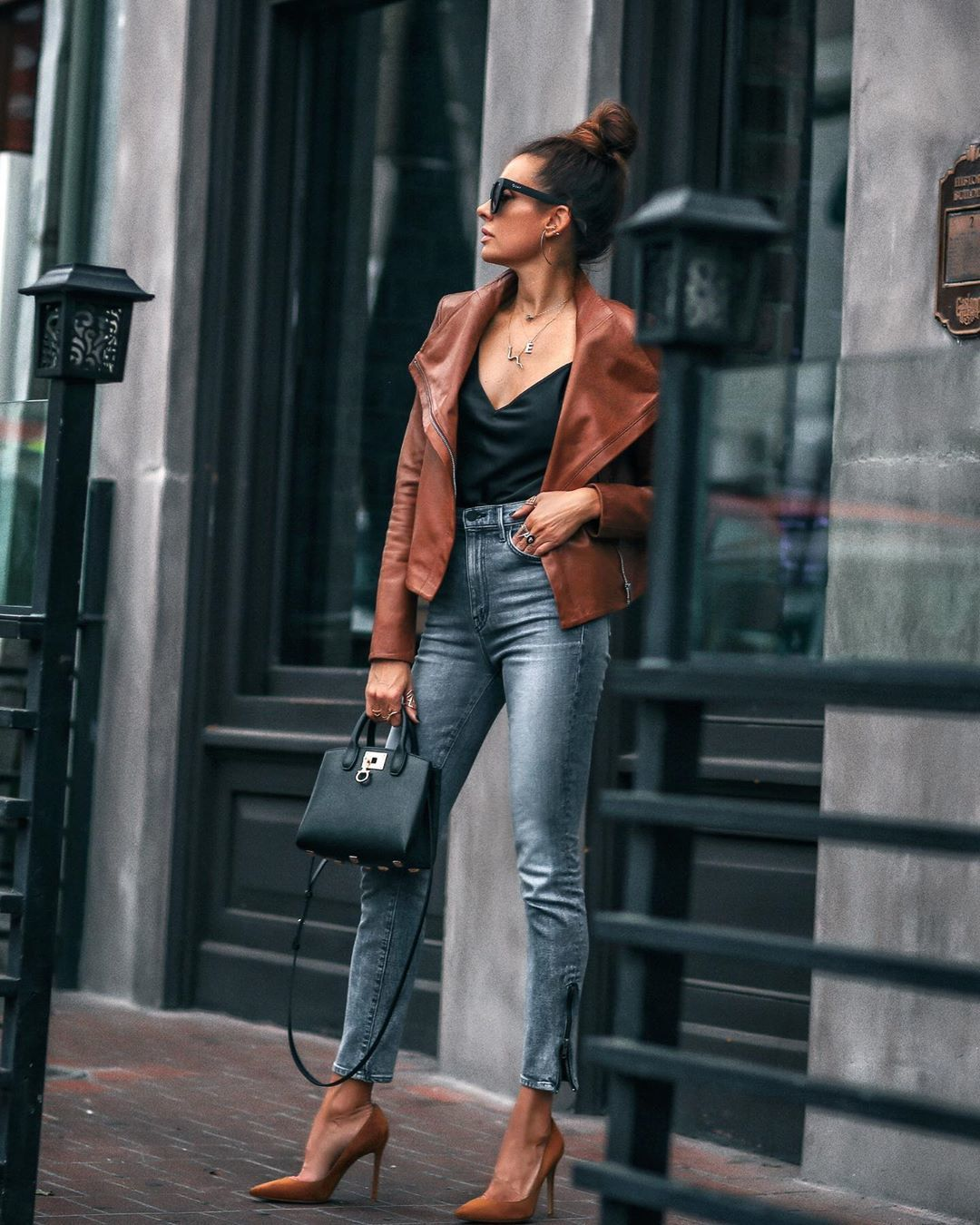 jacket leather jacket pumps high waisted jeans skinny jeans black bag black top