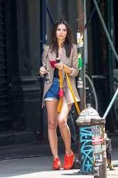 shoes,denim shorts,blazer,emily ratajkowski,model off-duty,streetstyle,sneakers